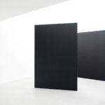 可動式の黒いパネル2枚(サイズ1800×2700mm)
