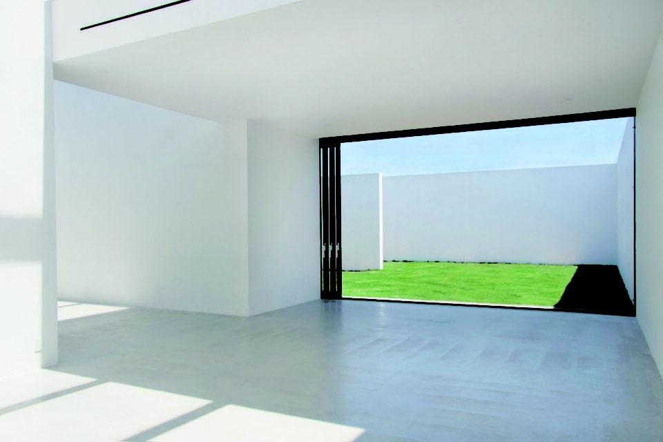 ハウススタジオの概念を打ち破った光の満ちあふれた美しい撮影のための空間<br>CONTACT STUDIO